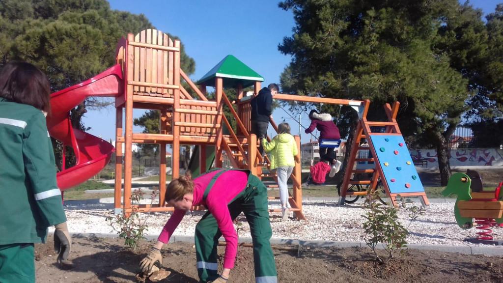Uređenje okoliša uz dječje igralište