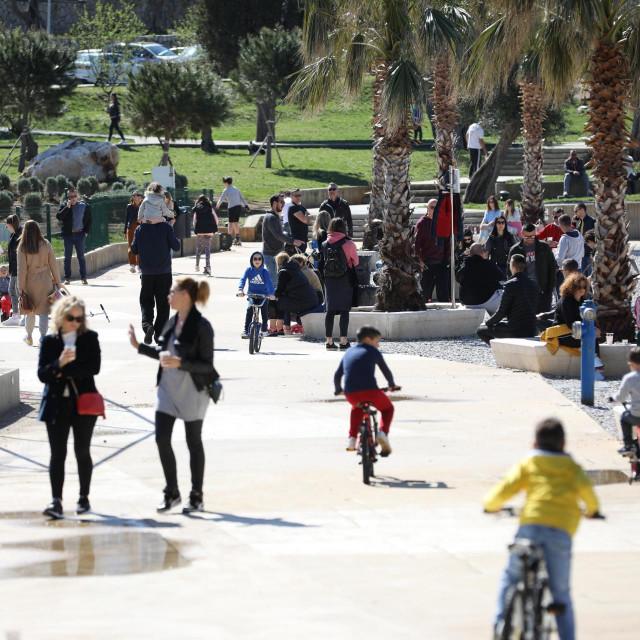 Sunčani, lijepi dan, idealan za šetnju izvukao je brojne sugrađane iz obiteljskigh kuća
