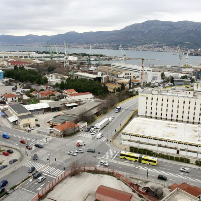 Pogled na splitsko brodogradilište i kvart Stinice