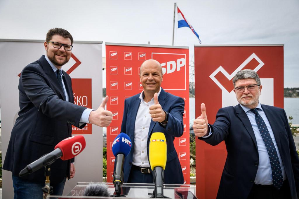 Na predstavljanje kandidature Joška Šuše stigli su i šef stranke Peđa Grbin te zastupnik u Europksom parlamentu Tonino Picula
