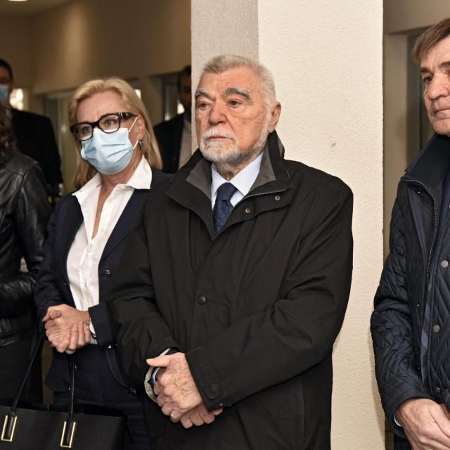 Aleksandar Ponemarev i Tomislav Božiković prerezali su vrpcu novog konzulata u sklopu hotela 'Le Meridien Lav'