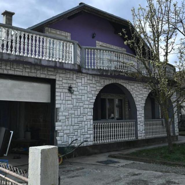 Kuća pred kojom je ostavljena beba