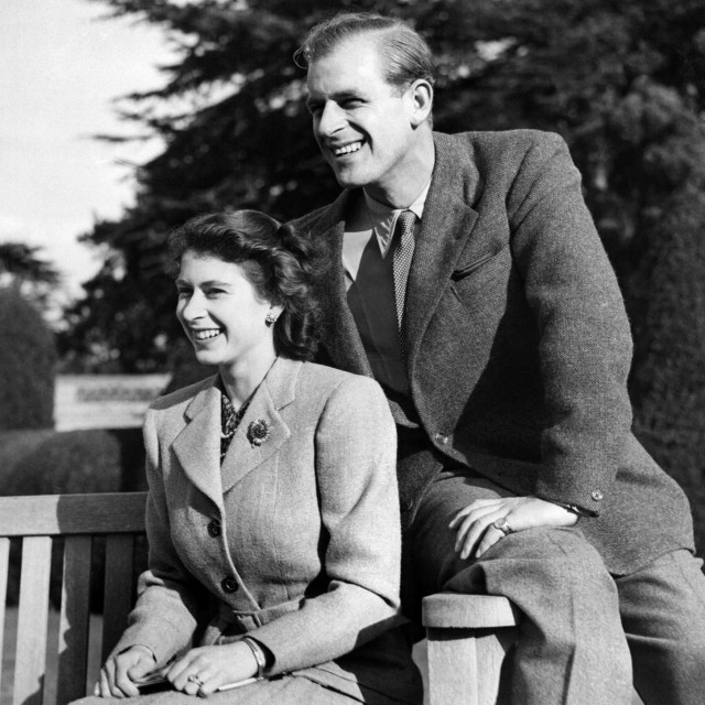 Britanska princeza Elizabeta, buduća kraljica Elizabeta II sa suprugom Phillipom na medenom mjesecu 25. studenog 1947. u Hampshireu