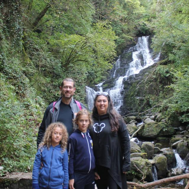 Silva, Matija i sinovi zajedno uživaju u prirodi