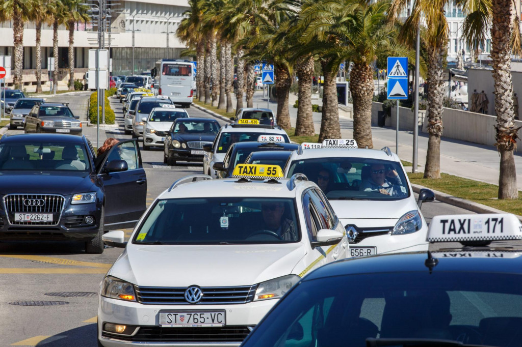 Taksisti HOK-a traže ostavku ministra