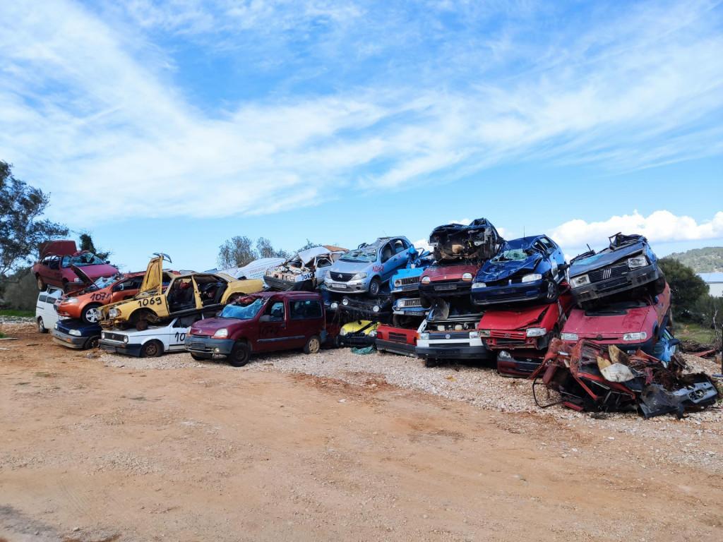 S otoka Korčule uklonjeno šezdesetak otpadnih vozila