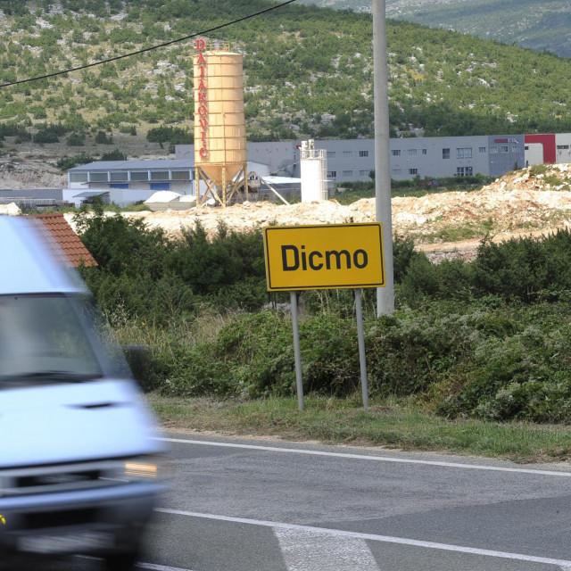 U Dicmu i okolnim mjestima u nevjerici prate razvoj događaja<br /> <br />