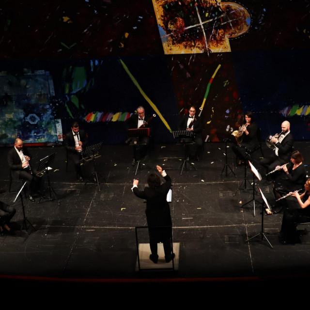 Gounodova skladba donijela je skladnu boju protagonista, mnogo jasnije i preciznije nastupe te najvjernije praćenje dirigentove vizije<br />