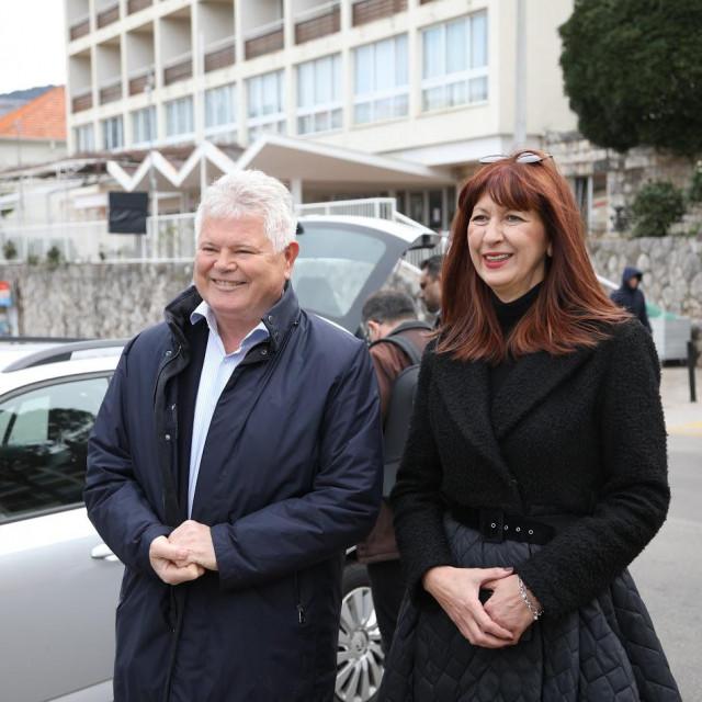 Predstavnici Platforme Dubrovnik - naš Grad Andro Vlahušić i Nataša Gabričević pod Petkom