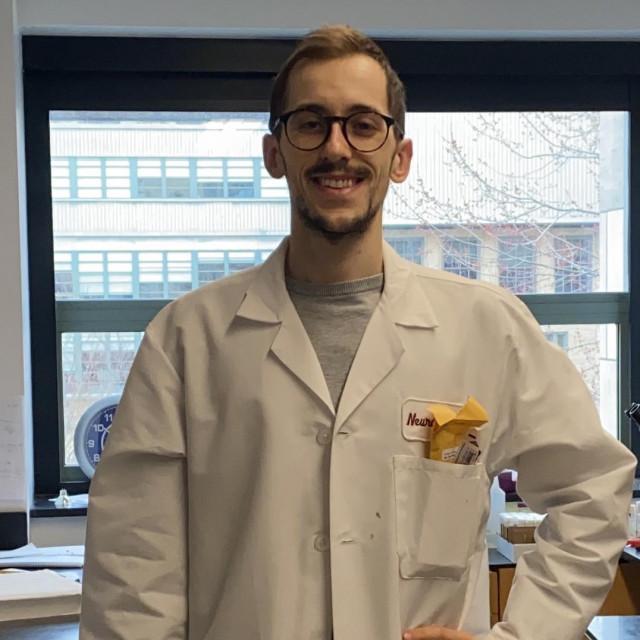 Alen Juginović u harvardskom laboratoriju