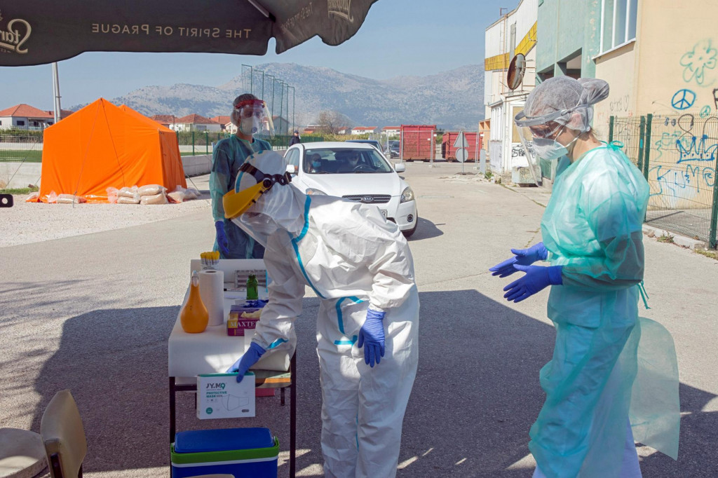 <br /> Drive in testiranje na korona virus u Metkoviću<br />