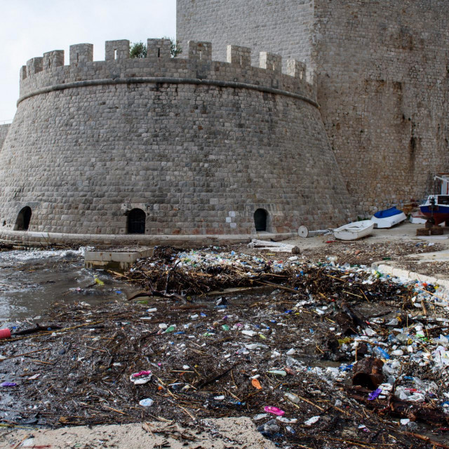 Naplavine smeća u Portu nakon južine trebale bi postati prošlost