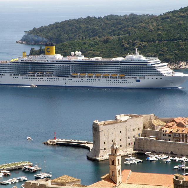 Costa Luminosa dolazi u Dubrovnik