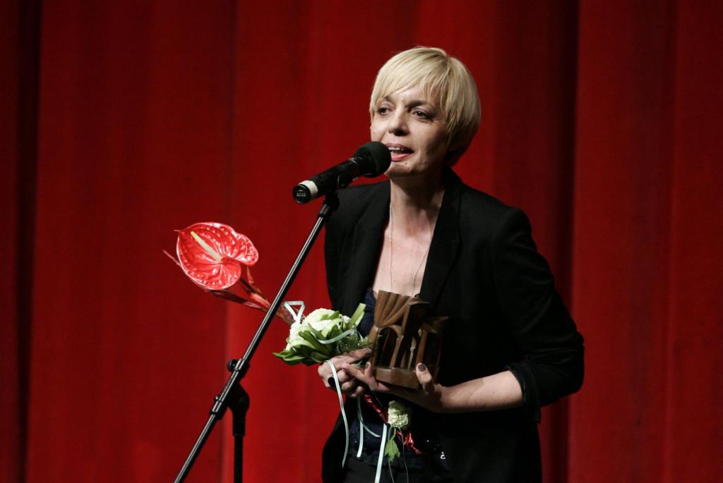 Prvonagrađena Marina Vujčić 2014. godine primila je treću nagradu za tekst 'Umri ženski' koji će biti izveden u travnju na Marulićevim danima