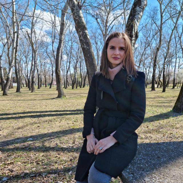 Valentina je od 2016. asistentica na Zavodu za biologiju zagrebačkog Medicinskog fakulteta, gdje se bavi istraživanjem karcinoma jajnika