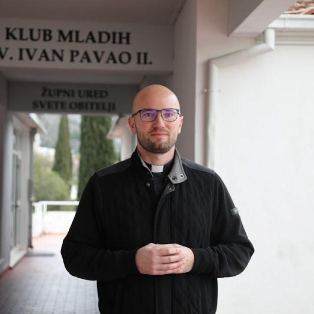 """Don Marinko Šljivić: """"Mnogi je promatraju kroz prizmu Torcide, kao problem, a ja vam mogu reći da su me ti dečki oduševili"""""""