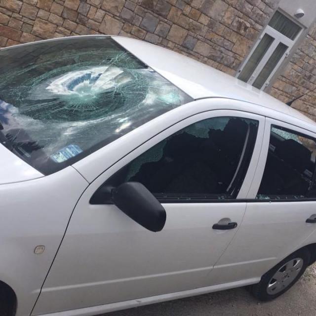 Automobil Borisa Žuvele oštećen prije četiri godine