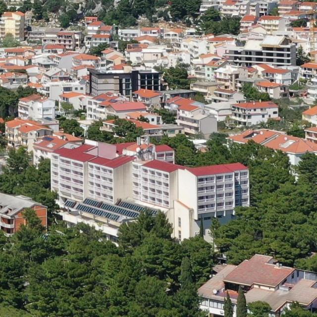 Hotel Hrvatska dugo čeka na rekonstrukciju