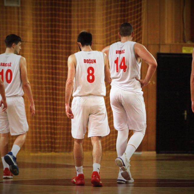 Košarkaši Dubrovnika su u sezoni 2020./21. ostvarili 9 pobjeda i 13 poraza