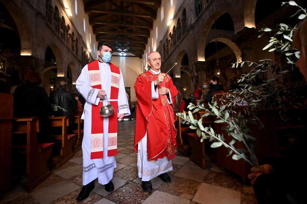 Misu na blagdan Cvjetnice u zadarskoj katedrali sv. Stosije predvodio je nadbiskup msgr. Zelimir Puljic<br />