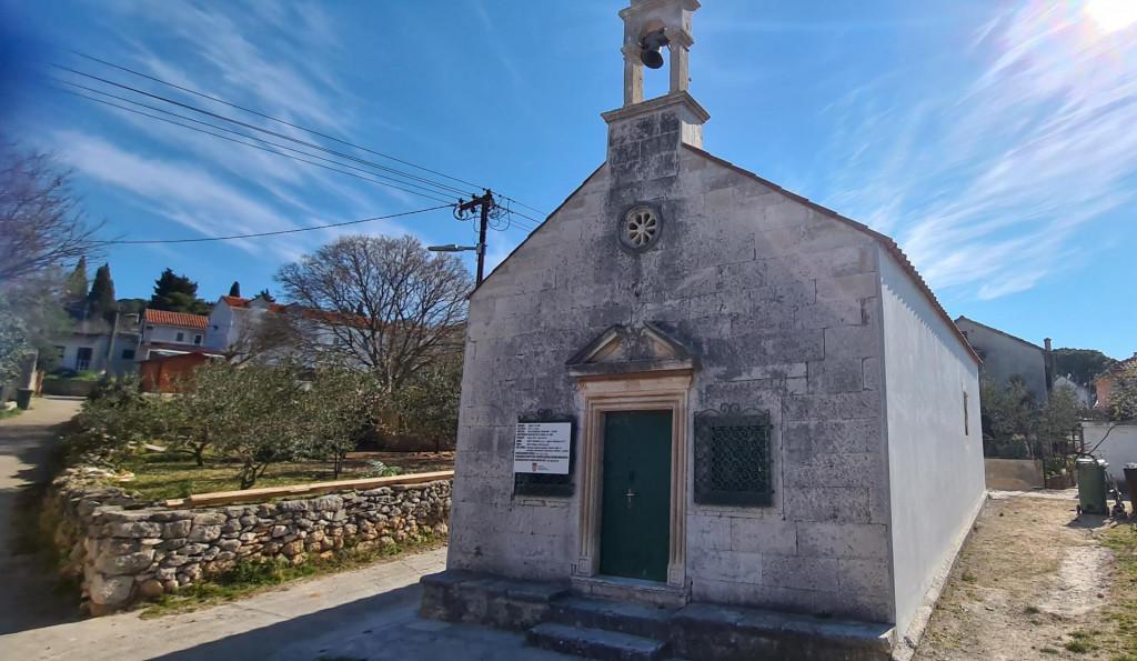 Kapelica sv. Šime na Zlarinu