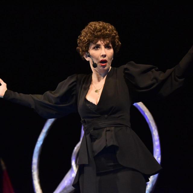 Ecija Ojdanić u četiri dana u splitskoj Lori odigrala je devet izvedbi 'Vla vla vlajlanda'<br />