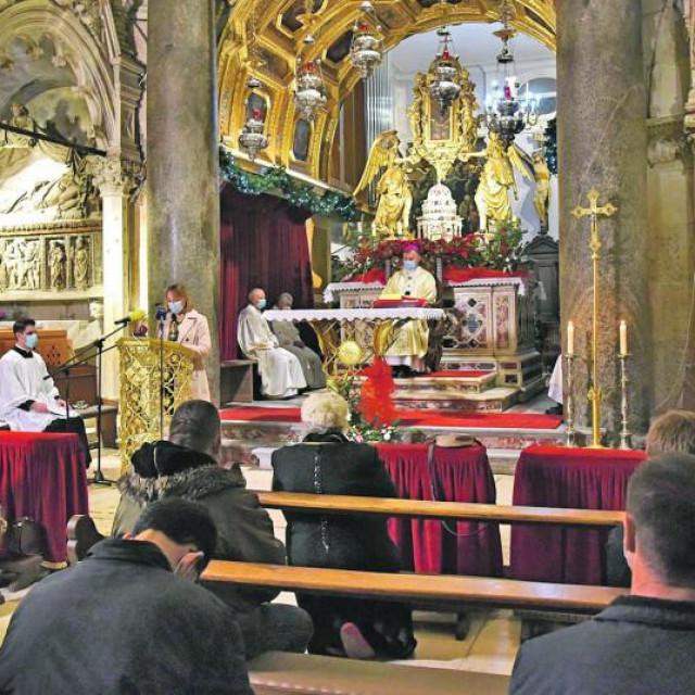 Crkve ostaju otvorene za Uskrs