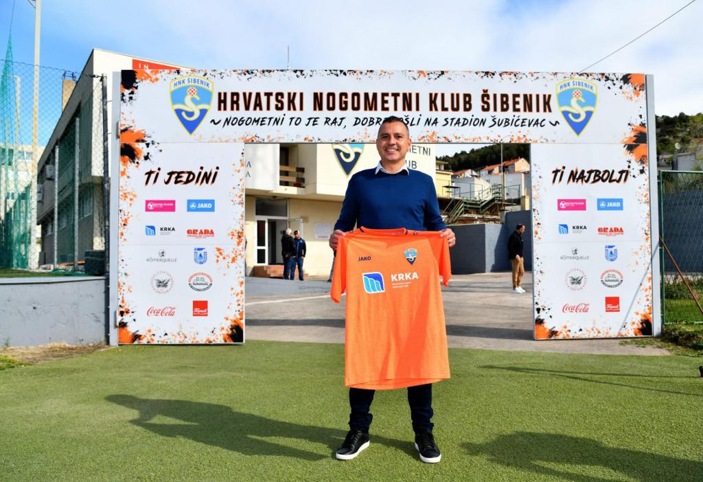Sibenik, 300321.<br /> Stadio Subicevac.<br /> Predstavljanje novog trenera HNK Sibenik Sergia Escobara.<br />
