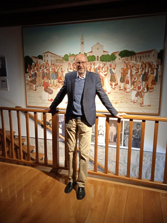 Božo Lasić ističe kako su konavoski muzeji, kao i svaka konavoska kuća, riznica običaja, tradicije, neobičnih i lijepih događaja povodom blagdana Uskrsa