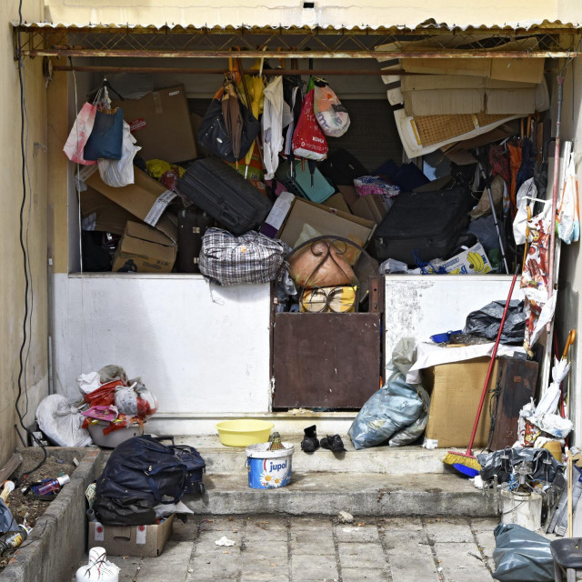 Stan u prizemlju u Vrančićevoj ulici na broju 3 pretrpan je smećem i leglo je štakora