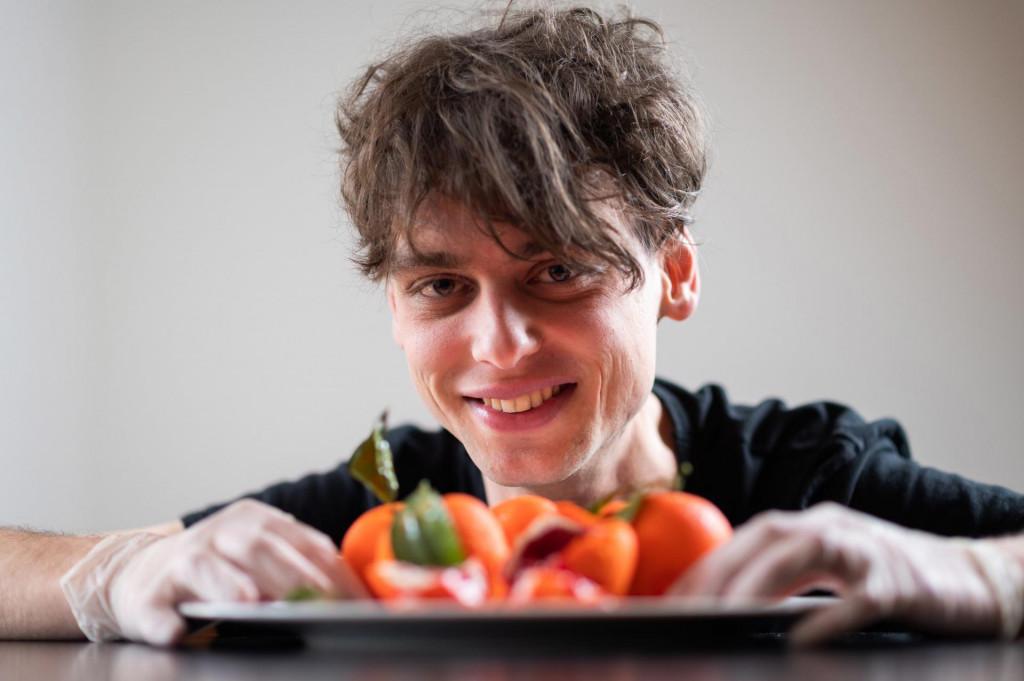 Josip Tadić (23) stvara čuda od slastica svojim rukama u maloj obiteljskoj kuhinji