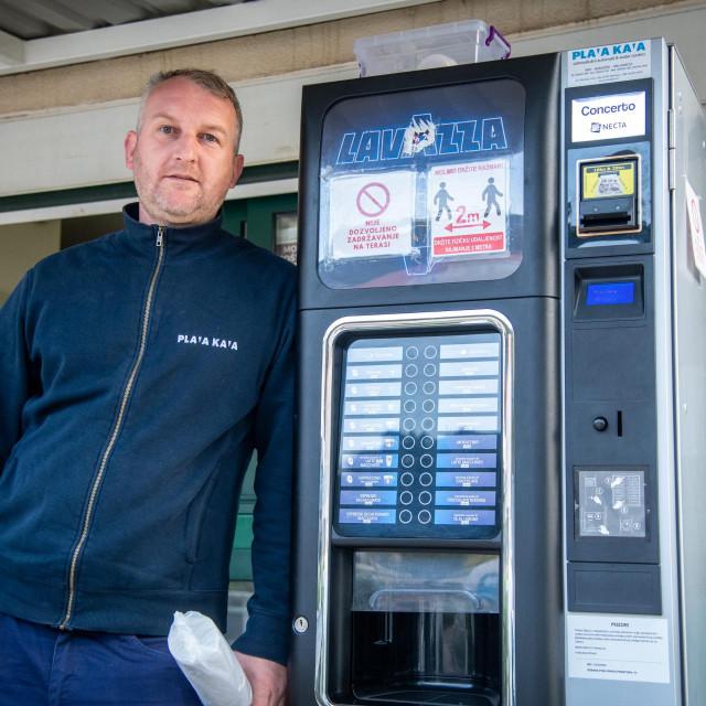 Mateo već 13 godina radi u Plavoj kavi
