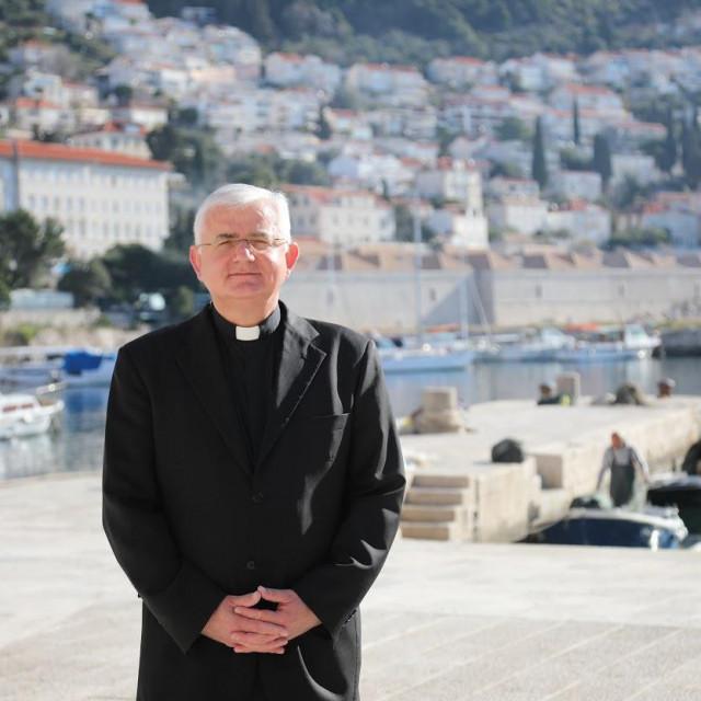 Mate Uzinić, riječki nadbiskup koadjutor i apostolski upravitelj riječke nadbiskupije