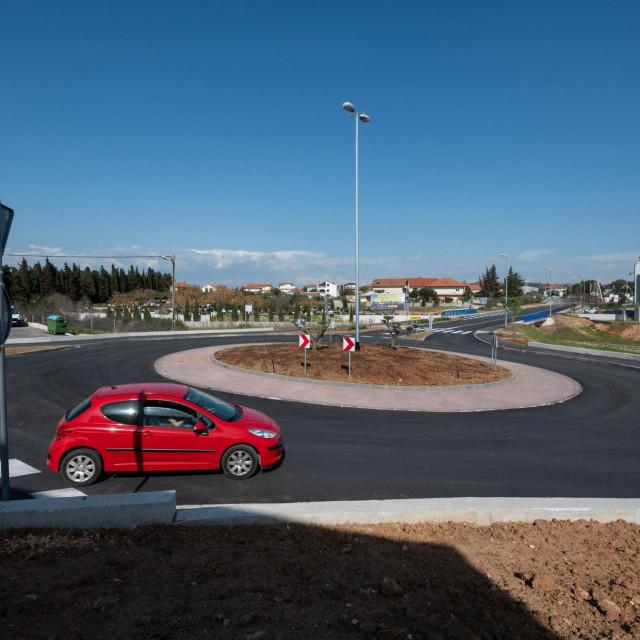 U promet je pušten kružni tok na ulazu u područje putničke i teretne luke Gaženica