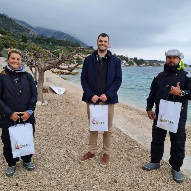 TZ Orebić darivala je mađarsku windsurfing reprezentaciju prigodnim darovima