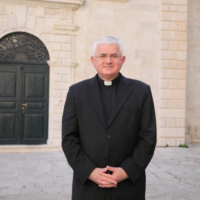 Mate Uzinić, riječki nadbiskup koadjutor i apostolski uprvitelj riječke nadbiskupije