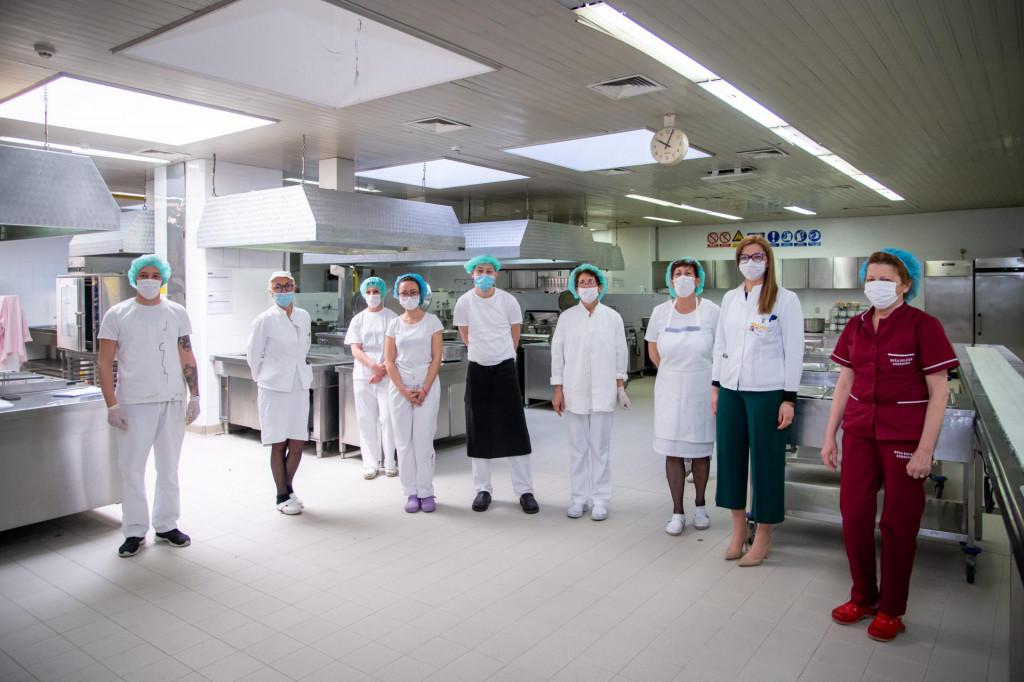 Smjena na okupu: Maro Carević, Darija Nikolić, Jasminka Salihbegović, Brankica Gojkov, Antonio Dedić, Boja Stambol, Lenka Glavaš, Marina Matković i Dragica Obradović