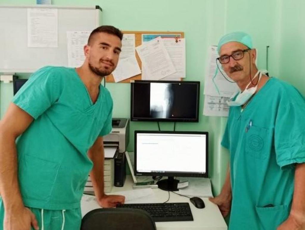 Martin na svom radnom mjestu, specijalizanta u ortopedskoj bolnici u Biogradu