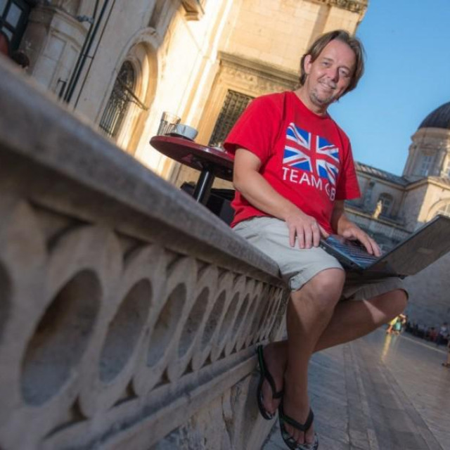 Mark THomas, Englez u Dubrovniku