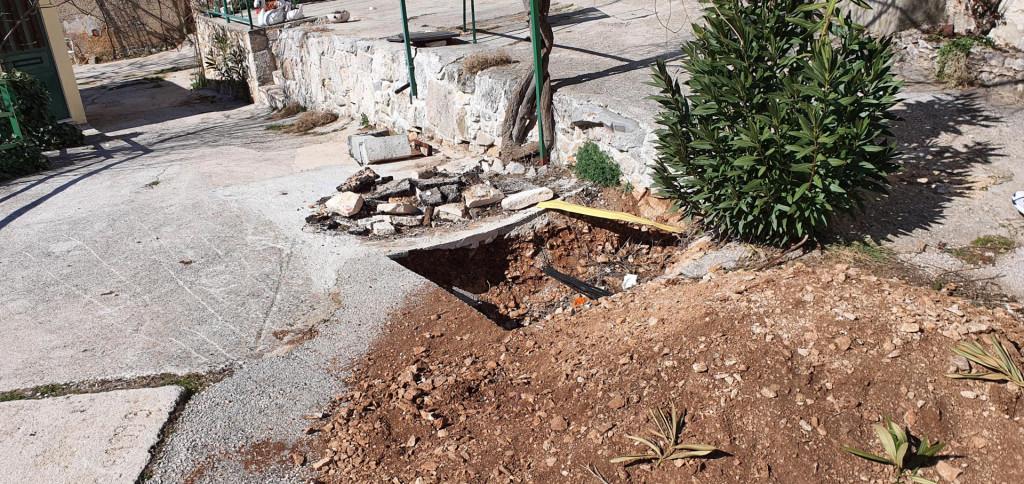 'Iskopali su jame, a zaboravili postaviti veći dio opreme', kaže mještanin Stipan Čikeš Čika PRIVATNI ALBUM
