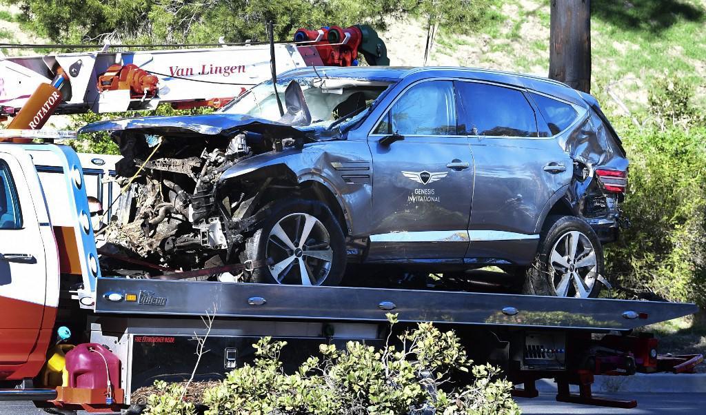 Automobil Tigera Woodsa nakon prometne nesreće.