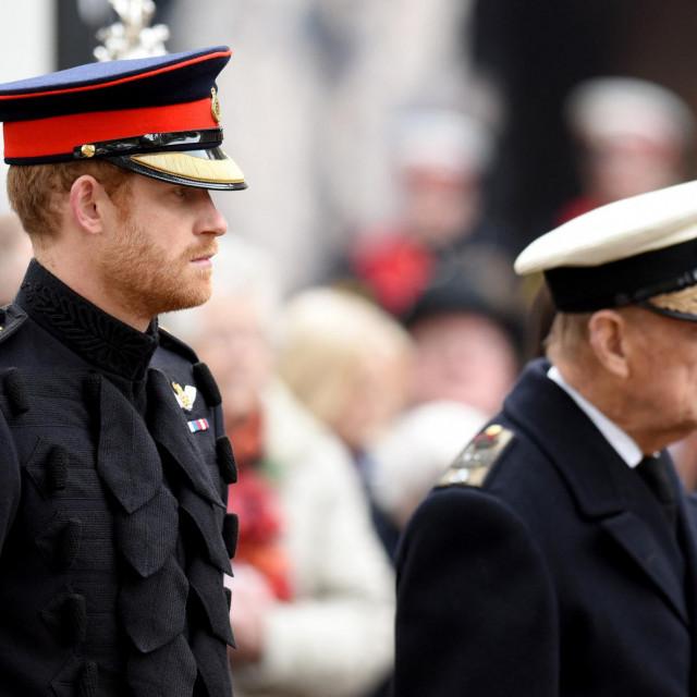 Princ Harry s djedom, princom Philipom, na obilježavanju dana sjećanja 10. studenoga 2016. u Londonu