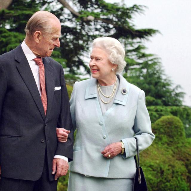 Kraljica Elizabeta i princ Philip u studenome 2007. kad su slavili 60. godišnjicu braka