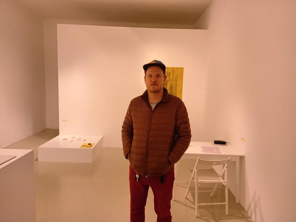 Niko Mihaljević u Galeriji Flora