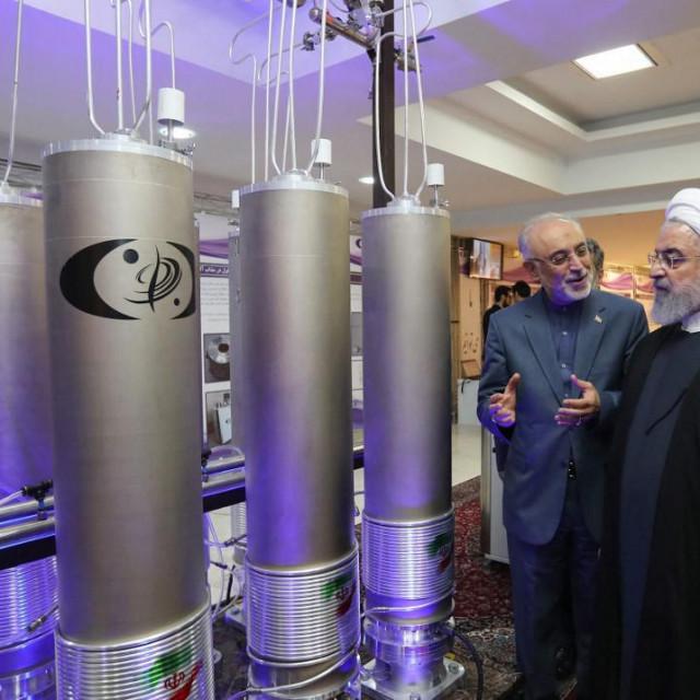 Hassan Rouhani i Akbar Salehi