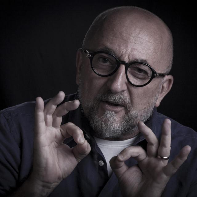 Vladimir Resner: Dizajneri i dizajn u fokus medija dođu samo ako su - modni. Ili vezani uz neki eksces...<br />