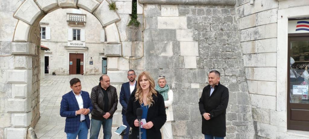 Kandidatkinju Ćudinu podržali su županijski čelnici stranke Nikola Grabovac i Mate Šimundić