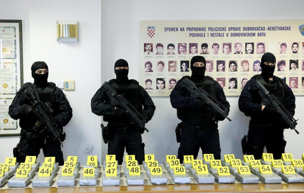 Prizor s izvanredne konferencije dubrovačke policije nakon zadnje velike zapljene u Luci Ploče početkom ožujka