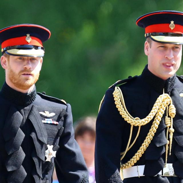Princ Harry je želio na pogrebu nositi uniformu kakvu je nosio na vjenčanju s Meghan Markle u svibnju 2018. godine