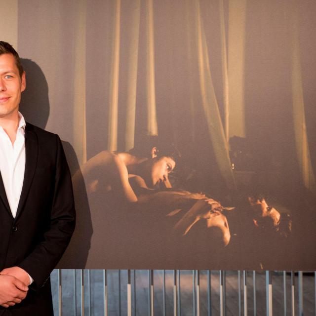 Mads Nissen na dodjeli 2015., kada mu jeWorld Press Photo uručio nagradu za snimku homoseksualnog para u Rusiji